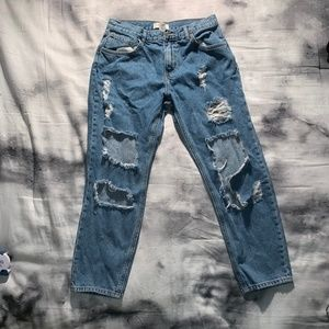 Forever 21Boyfriend Ripped Jeans